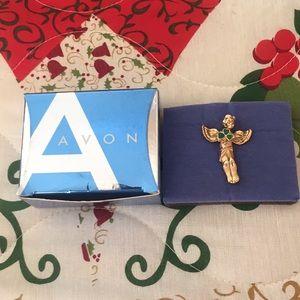 Avon 2005 Shamrock angel Pin With Box
